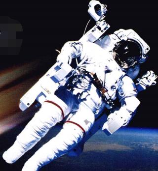 天文世界之最:第一位在太空漫步的人是谁?——A.列奥诺夫【附注音】插图(1)
