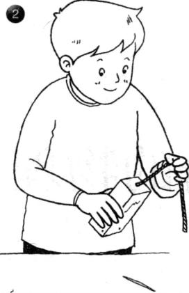力学小实验:自动旋转的牛奶盒——作用力与反作用力插图(2)
