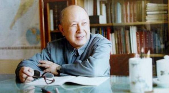 中国名人故事:喜爱钻研的钱学森插图