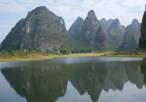 古诗词与地理:京口瓜洲一水间,钟山只隔数重山——钟山就是紫金山吗?